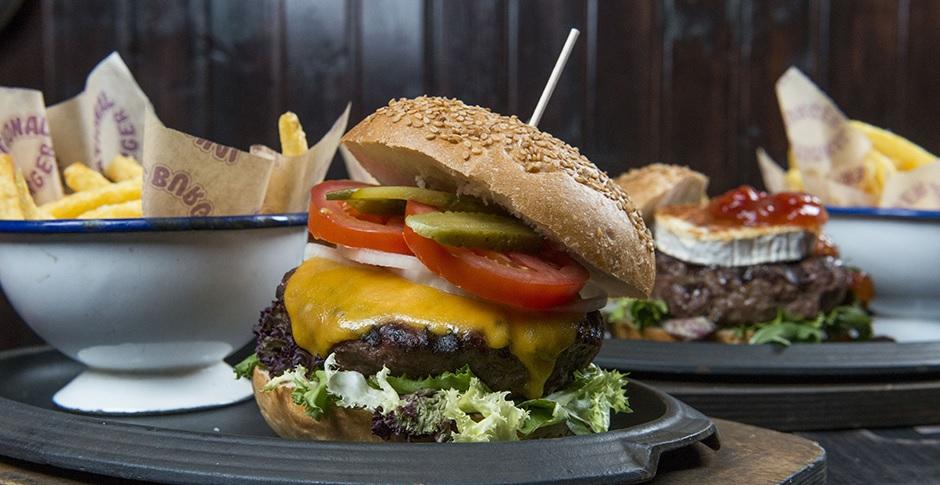 Nuestras hamburguesas son Black Angus